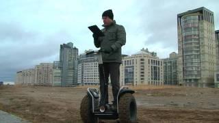 Segway x2 боевая колесница XXI века(Покатушки на бешеной табуретке, или почему компьютер не дает упасть в грязь лицом... Подробности на www.mobileimho.ru., 2010-11-10T13:50:44.000Z)