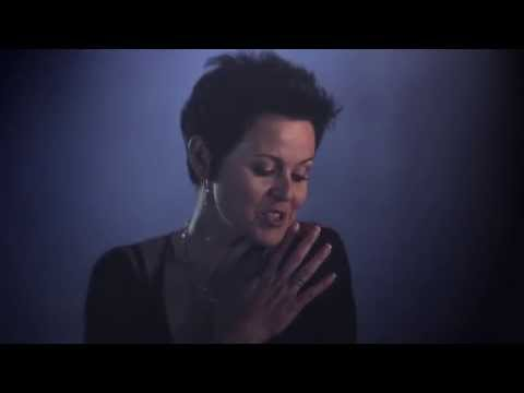 "JENNIFER ZAMUDIO ""Sê dit Harder"" (Amptelike Musiekvideo)"