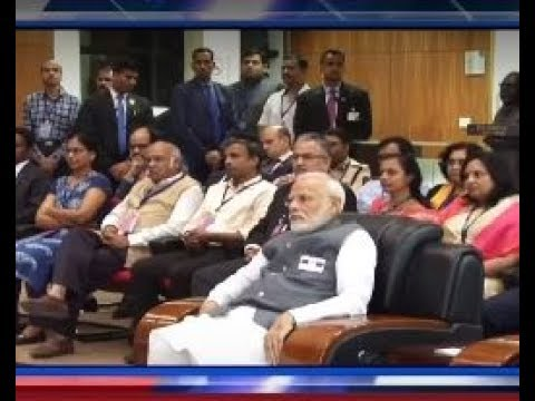 PM Modi interacts with scientists at IISER, Pune | Headlines (English)
