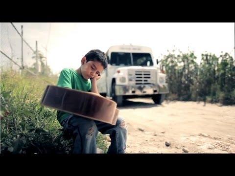 Los Inquietos Del Norte - Mi Amigo El De Arriba (Video Oficial)