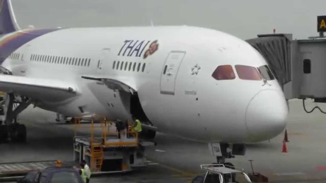 Thai airways B787-8 Take off and Landing Bangkok to ...