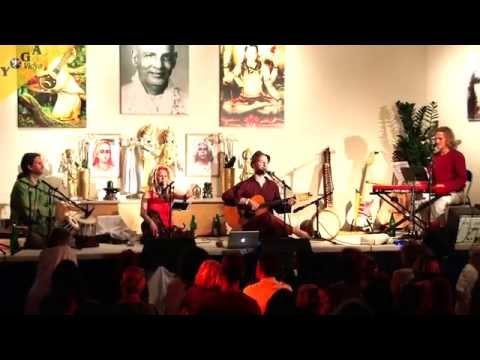 Yoga Vidya Musik Festival 2014: AbendKonzert mit Spring & Matthias Roth
