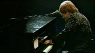 Elton John - Rocket Man (Live)