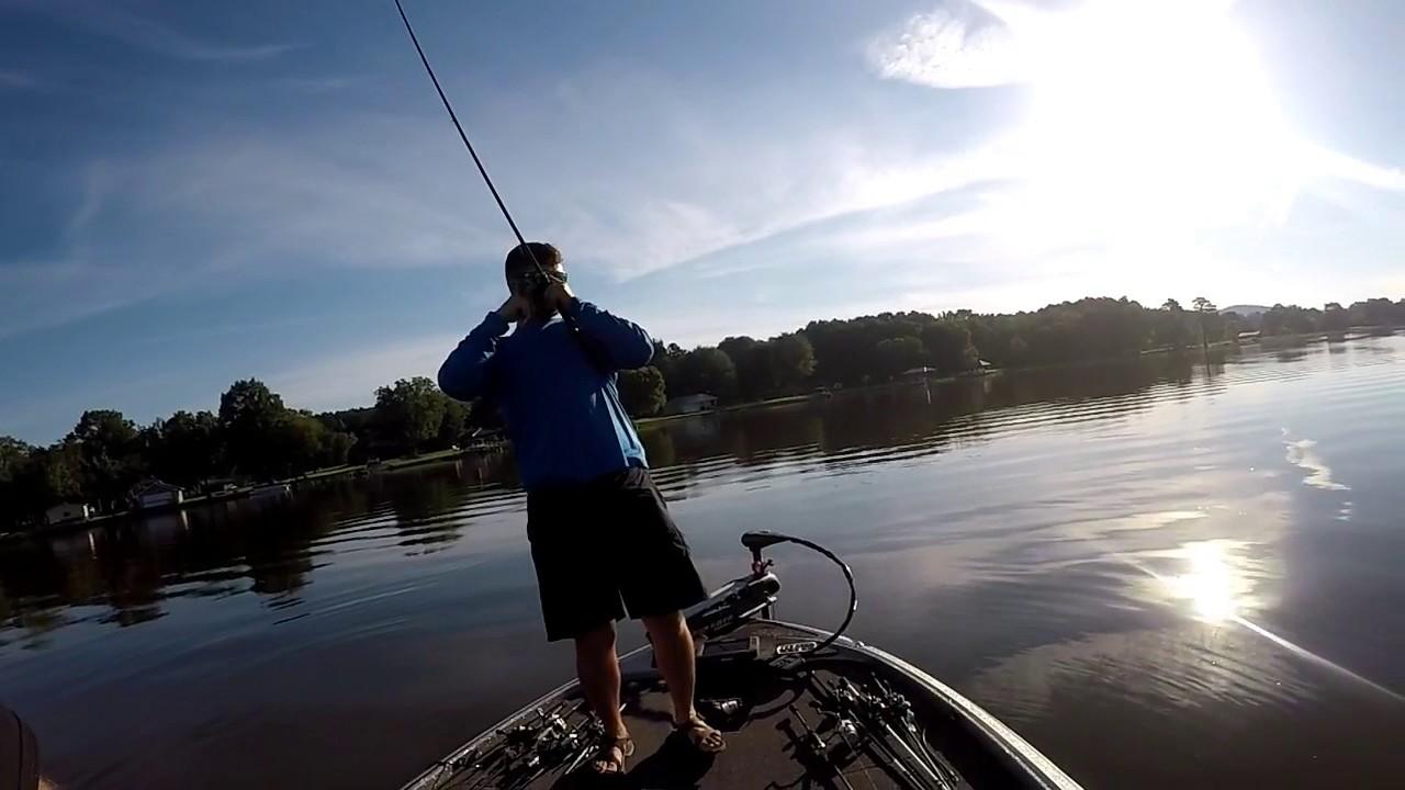 Summertime bass fishing on lay lake youtube for Lay lake fishing report