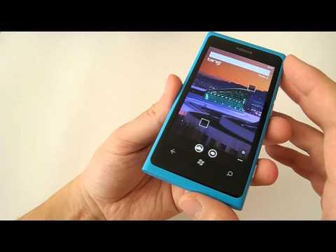 Nokia Lumia 800: Videopohled (obsah balení, design & zpracování, operační systém)
