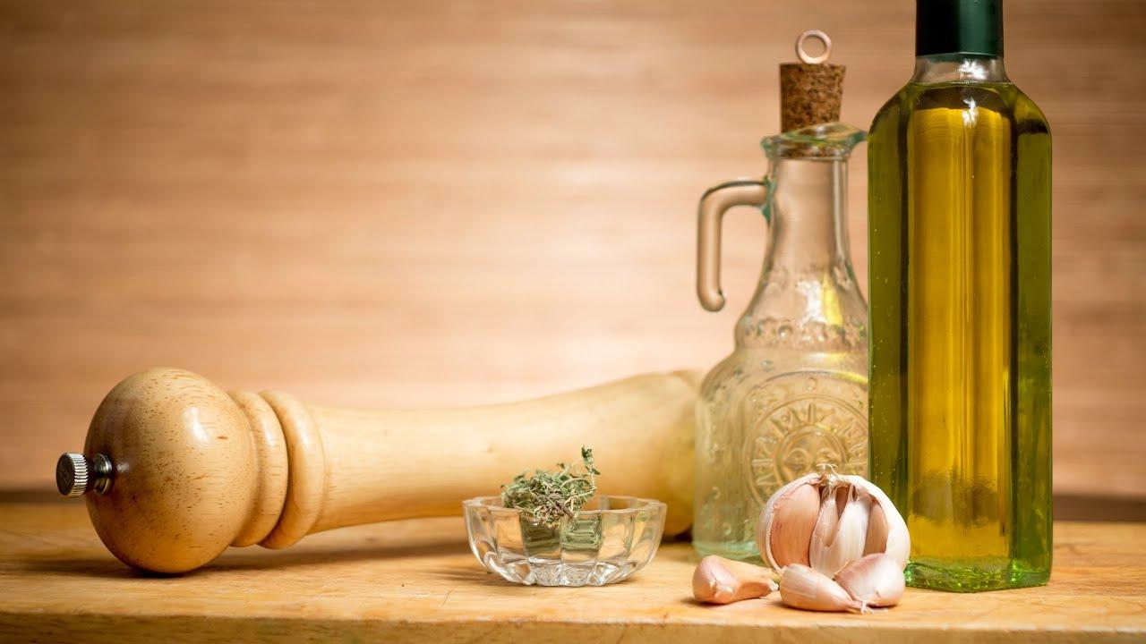 Заправка для салата - Ароматное оливковое масло настоянное на тимьяне и чесноке
