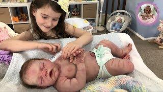 NEWBORN SILICONE BABY BATH TIME ROUTINE