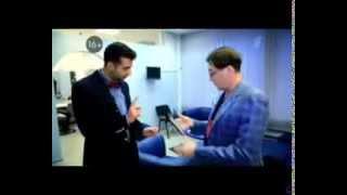 Григорий Лепс учит крутить микрофон Ивана Урганта:)(, 2014-01-27T18:24:55.000Z)