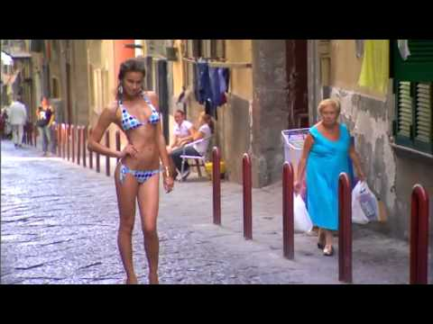 Irina Shayk  Swimsuit on location in İtaly