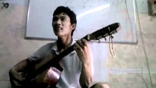 Em trai hoai linh danh dan guitar