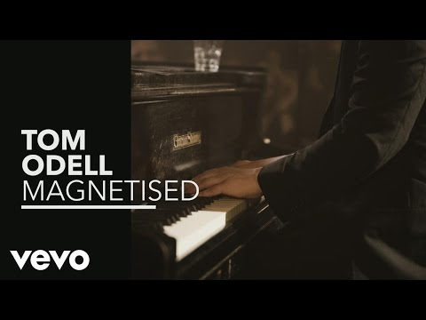 Magnetised (Vevo Presents) àMagnetised (Vevo Presents: Live at Spiegelsaal, Berlin)