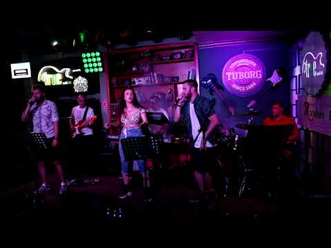 Random Band - Runaway Baby (Bruno Mars COVER) Live @ True Club