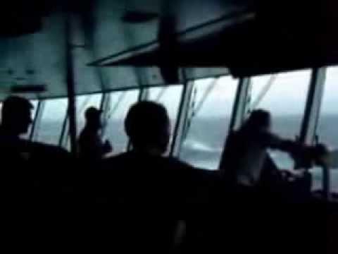 DOĞANIN GÜCÜ Gemiye Dev Dalga Çarpıyor