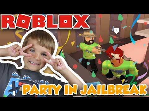 AWESOME PARTY in ROBLOX JAILBREAK | APARTMENTS | ROBBING BANK
