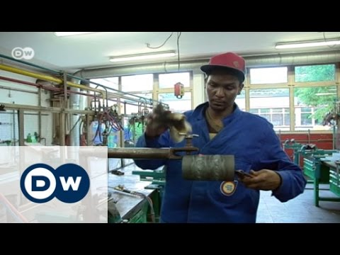 Migrants hope to benefit German work force   DW Business