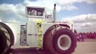 The Biggest Tractor in the USA Big Bud 16V 747