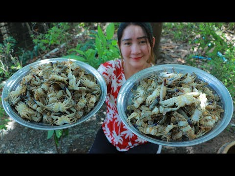 Yummy Sea Crab Milk Cooking Tamarind Leaves – Sea Crab Milk Soup Recipe – Cooking With Sros
