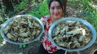 Yummy Sea Crab Milk Cooking Tamarind Leaves - Sea Crab Milk Soup Recipe