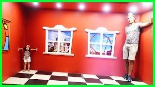 Vialand Eğlence Merkezi Sihirli Evde Ali Nasıl Dev Oldu ve Çarpışan Arabalar l Çocuk Videosu