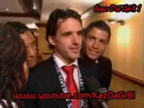 Ronaldo & Nani joking about with Hargreaves