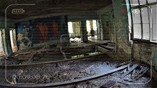 Побег От Мутанта В Заброшенной Школе. Призрак Погибшего Ученика Мстит Нам. Спас Девушку