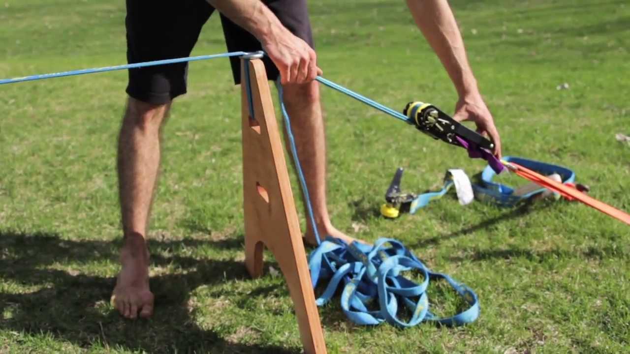 Comment installer une slackline sans arbres avec pieux et chevalets ...
