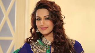 Repeat youtube video Sonali Bendre photo shoot.