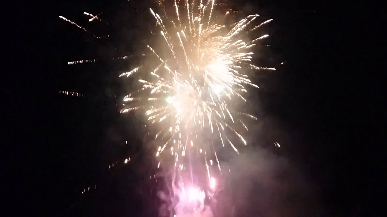 Backyard Fireworks : One hell of a backyard fireworks finale  YouTube
