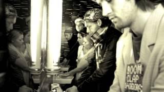 Boom Clap Bachelors - Tiden flyver ft Liv Lykke (Original)