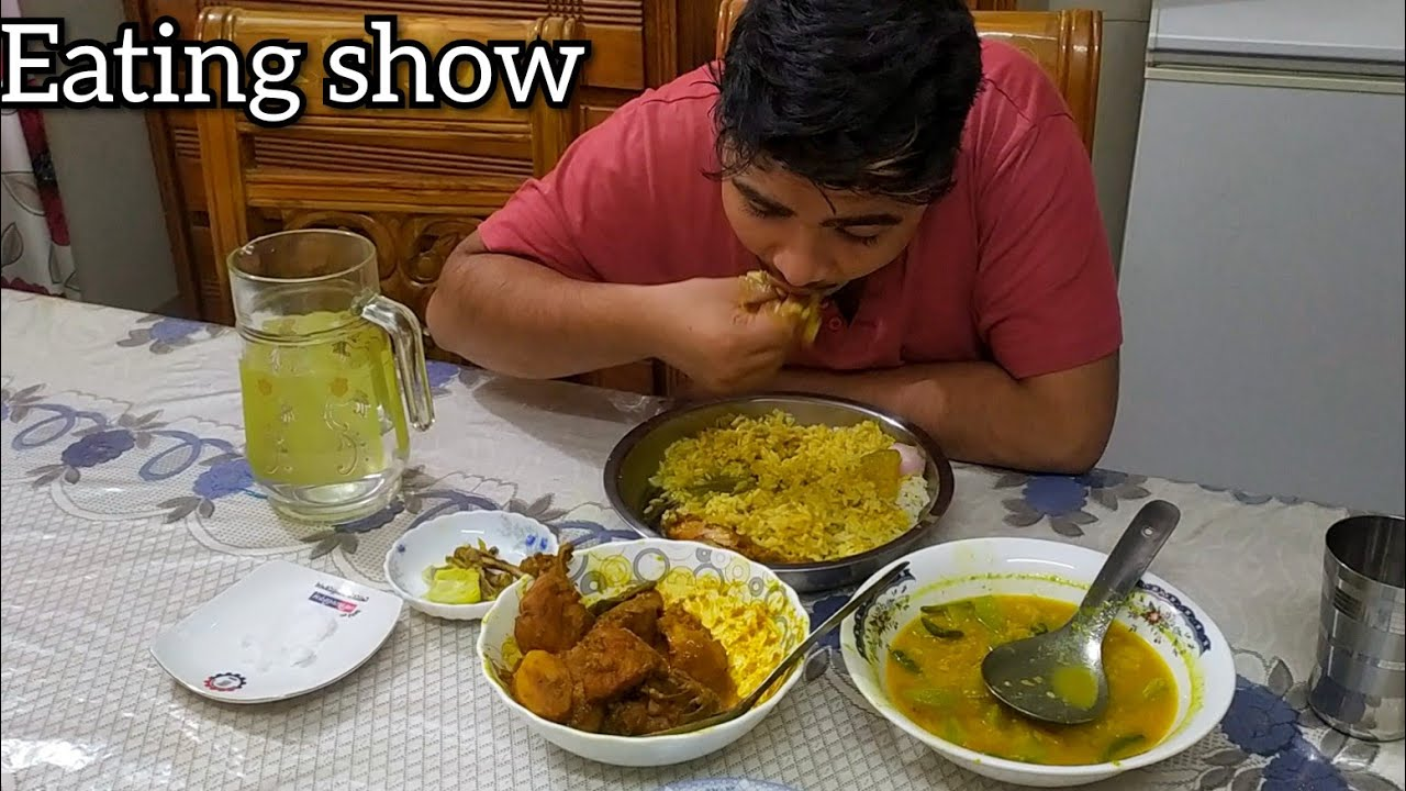 Eating show yummy food  chicken curry/