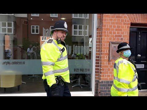 very angry!!! policeman doesn't understand how section 5 works (freedom march)