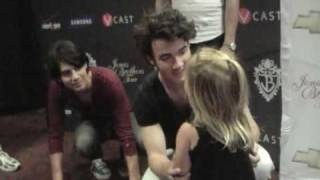 Video Lyle & Cooper (& Ainslee too!) meet the Jonas Brothers! download MP3, 3GP, MP4, WEBM, AVI, FLV Mei 2018