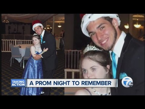 Cheerleader with Down syndrome named prom queen