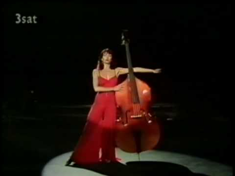 Kate Bush - Babooshka (Red pants-suit, Germany)