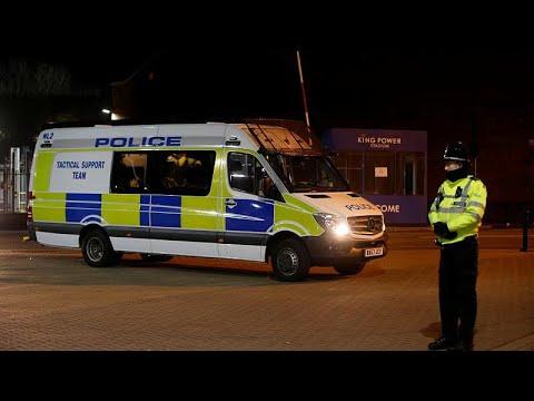 Polícia inglesa adota tática de abalroar motorizadas