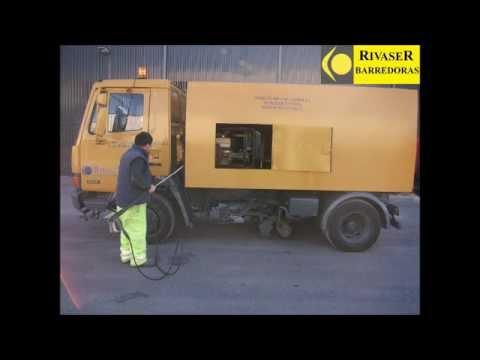 Limpieza viaria mediante camión-hidrolimpiadora