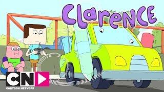 Clarence | Sigue eine Carla | Cartoon Network