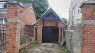 Tiny Garage Described By Estate Agents As 'victorian And Detached' Goes On Sale For £80,000