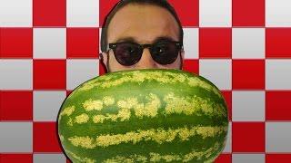 Karpuz nasıl küp küp kesilir? (How to cut a watermelon into cubes) ENG SBT