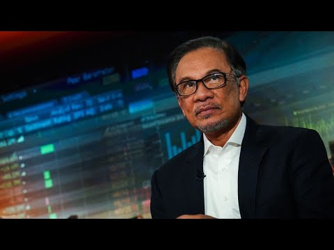 Anwar: Malaysia's Government Unlikely to Stay Until Next Election