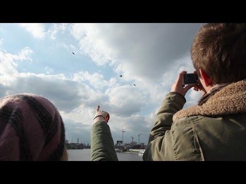 Fliegende Menschen über Berlin - Chronicle - Wozu bist du fähig?