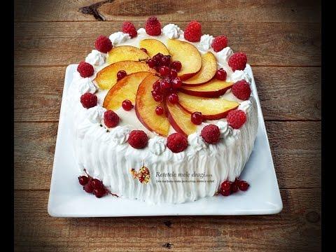 Tort cu fructe de padure si crema de vanilie