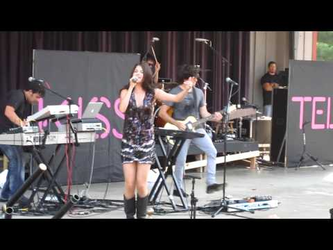 Selena Gomez  - Tell Me Something I Don't Know - Live at Six Flags St. Louis 8/22/2010