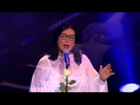 Nana Mouskouri Live At The Royal Albert Hall   Bridge Over Troubled Water