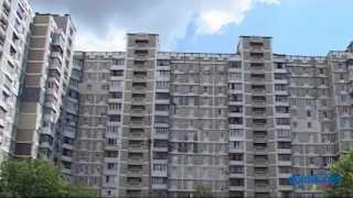 Срибнокильская, 8 Киев видео обзор(Панельный 15-этажный дом в 500 метрах от станции метро «Позняки». Состояние входов в парадные среднее, устано..., 2014-09-02T13:43:44.000Z)