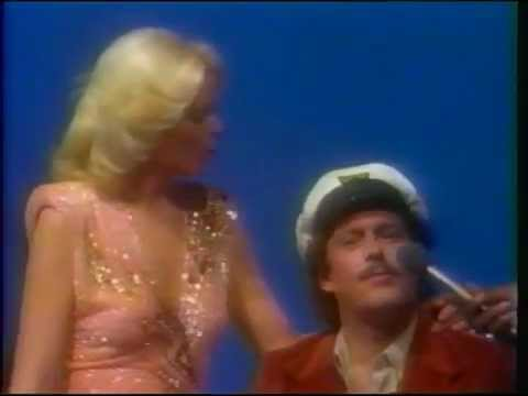 "Captain & Tennille - ""Do That To Me One More Time"" + interview"