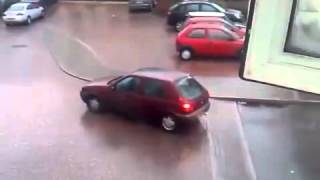 Car sliding on ice  FAIL!