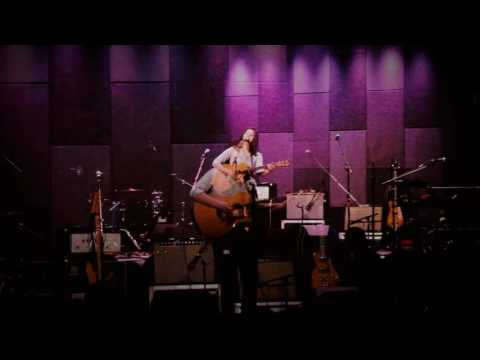 Marie Miller Live