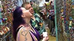Aki ja Heli Palsanmäki ostoksilla Karibialla