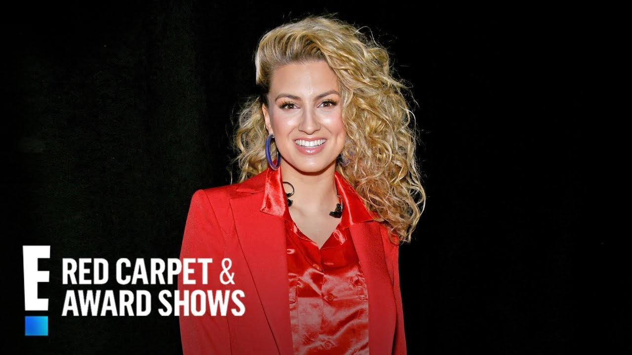 Tori Kelly Talks Demi Lovato, Hunter Hayes, & More | E! Red Carpet & Award Shows